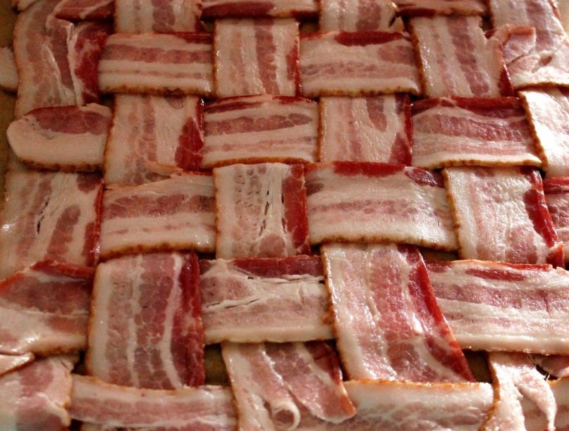 Your Bacon Explosion Weave should Look a bit Like This
